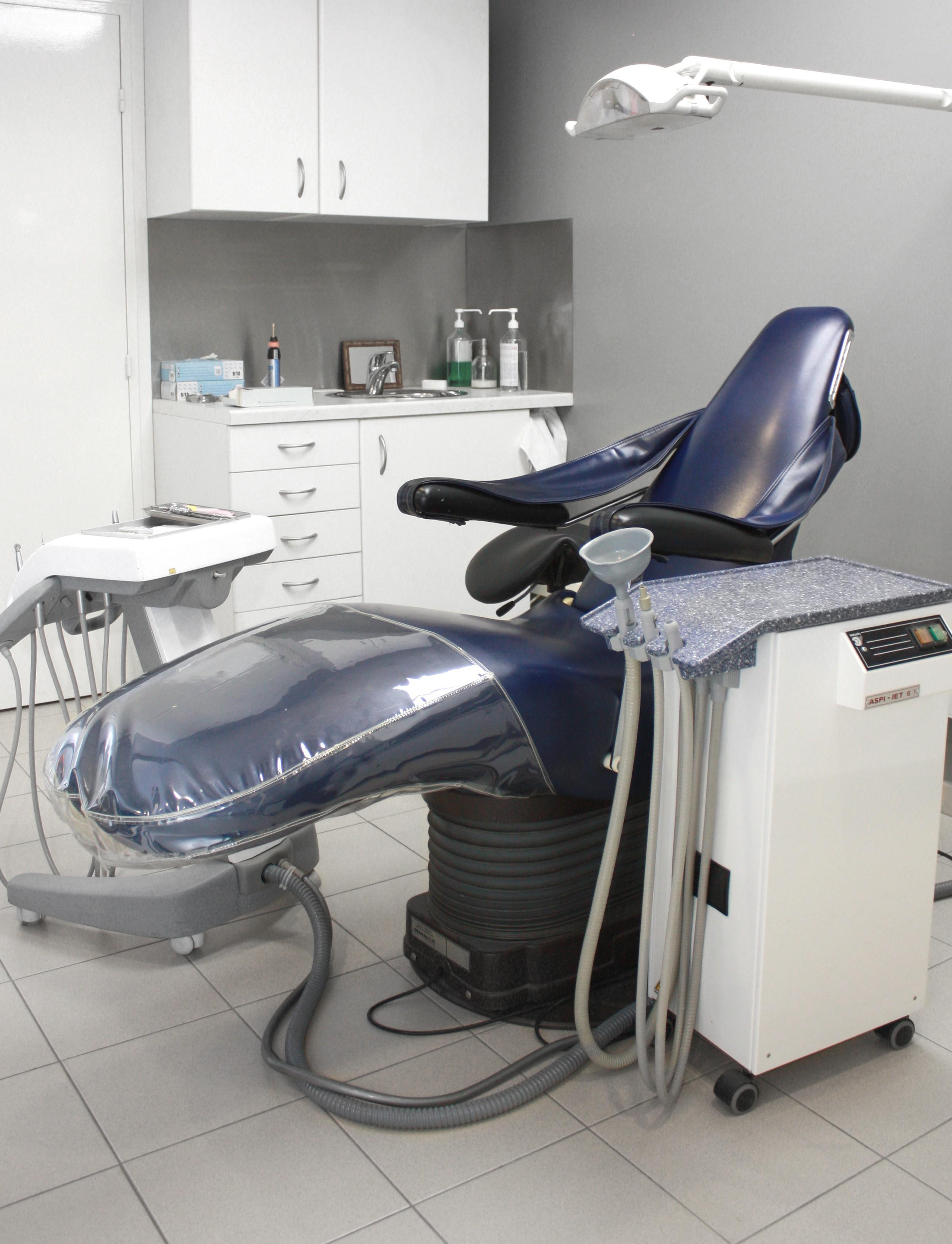 metalodont laboratoire de proth se dentaire dirigeants. Black Bedroom Furniture Sets. Home Design Ideas